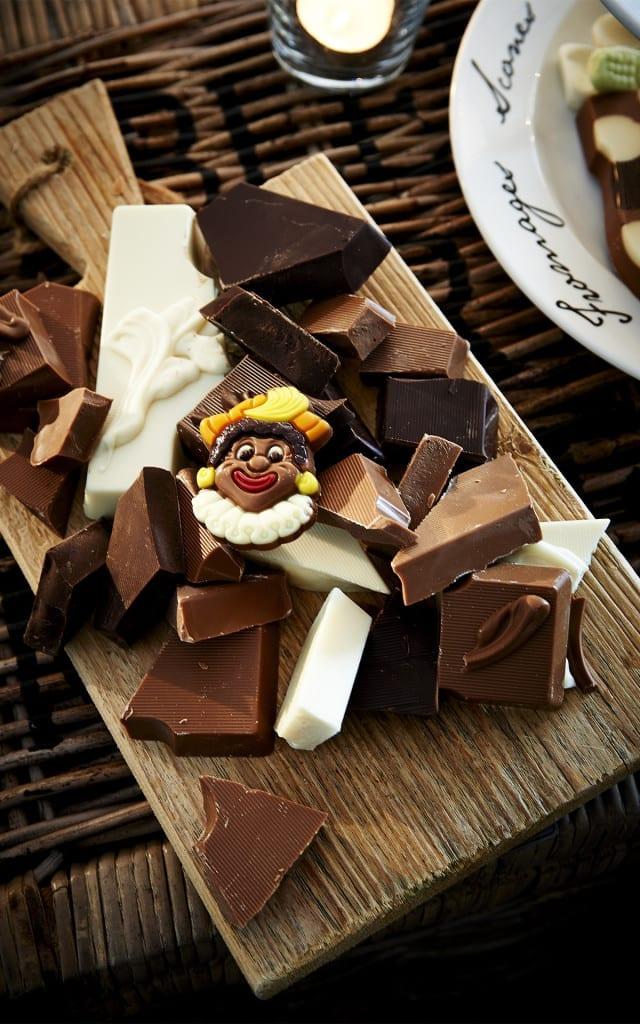 Martinez chocolade brokken letters sinterklaas